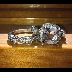 Jewelry - 💍gorgeous white sapphire 925 wedding set💍